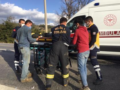 Muğla'da minibüs ile otomobil çarpıştı: 6 yaralı