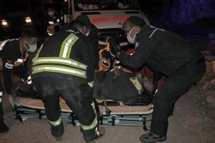 Muğla'da kaza yapan otomobilde sıkışan sürücüyü itfaiye kurtardı