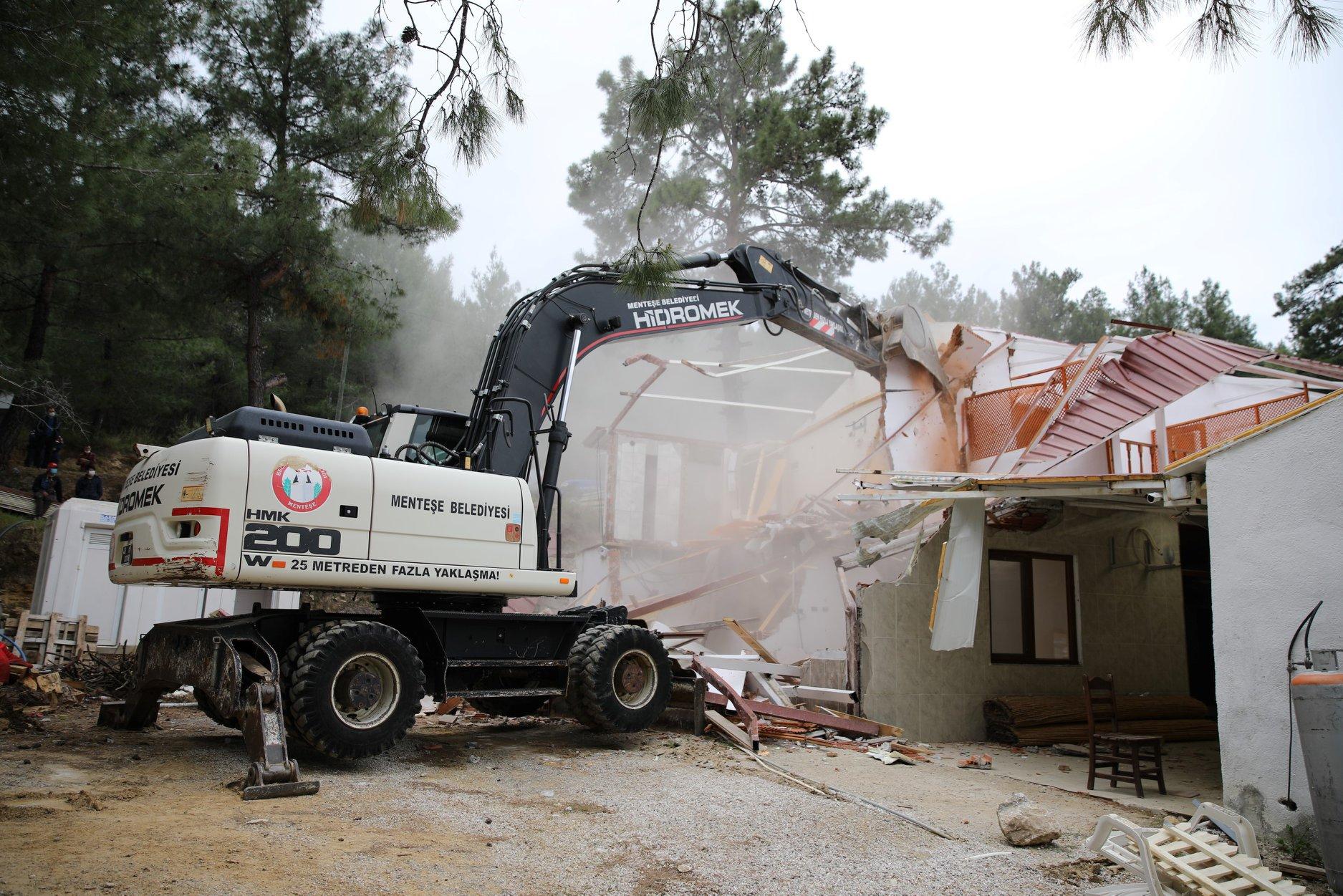 """Menteşe Belediyesi:""""Akbük'te rant uğruna doğayı talan edenlere göz açtırmayacağız"""""""