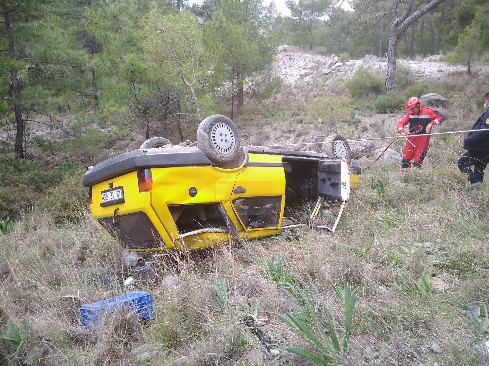uçuruma devrilen otomobilin sürücüsü kurtarıldı