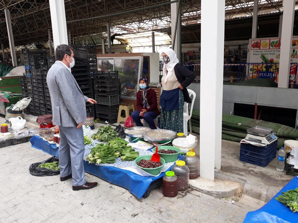"""Vali Orhan Tavlı, """"tam kapanma"""" sürecinde kurulan pazar yerlerini gezdi"""