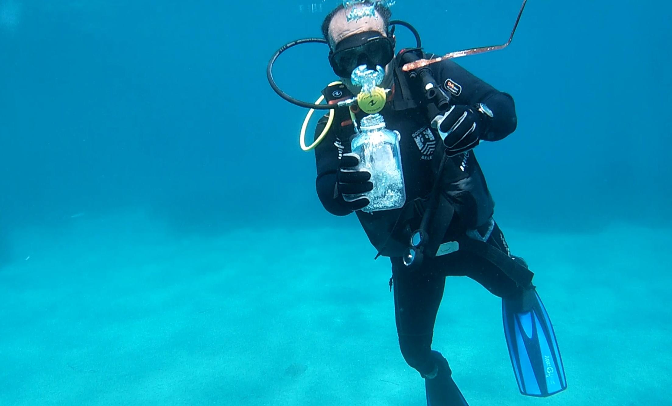 Bodrum kıyılarında müsilaj görüldüğü iddiası üzerine denizden numune alındı