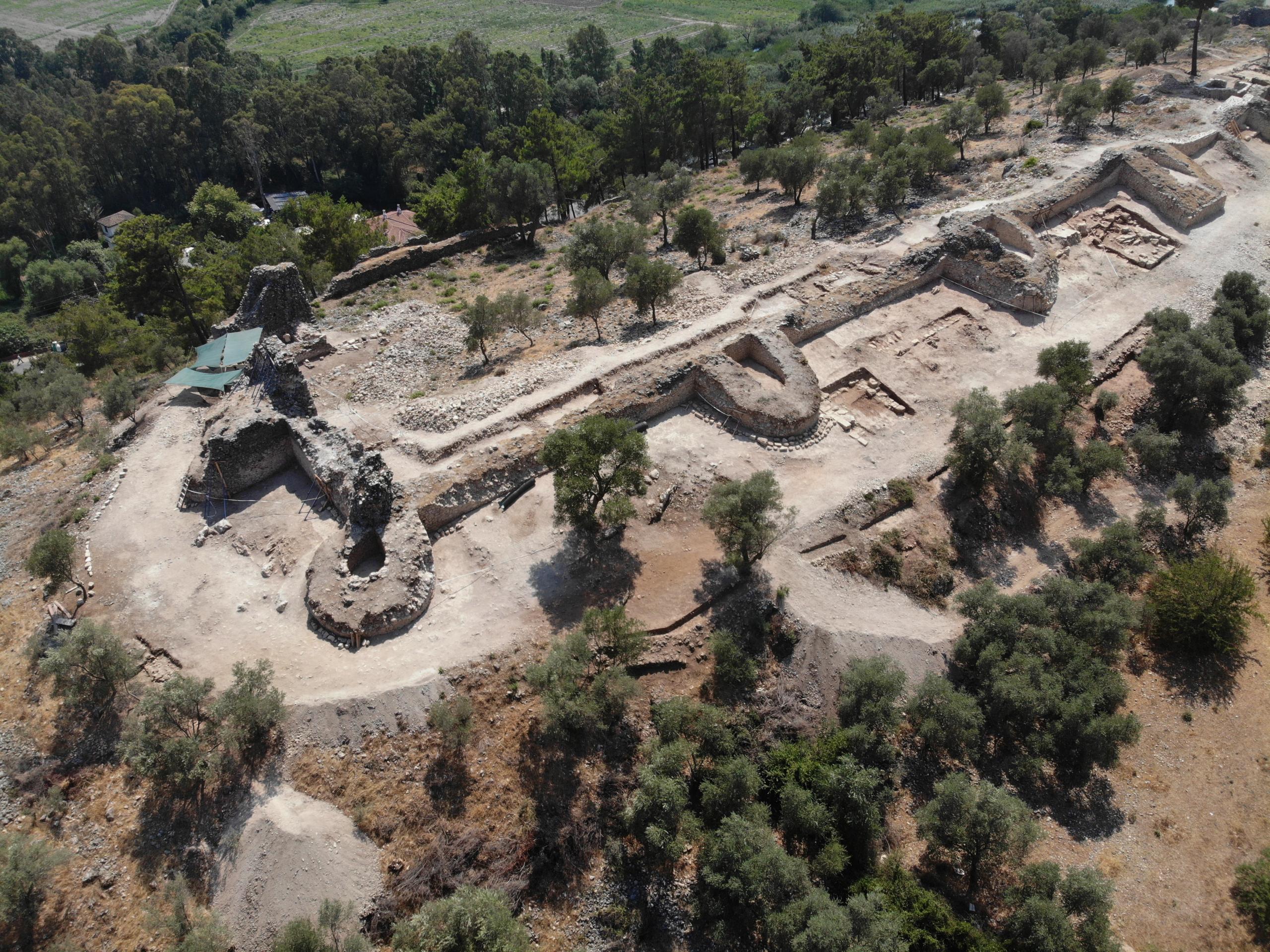 Akyaka, turizmin yanı sıra tarihiyle de ön planda