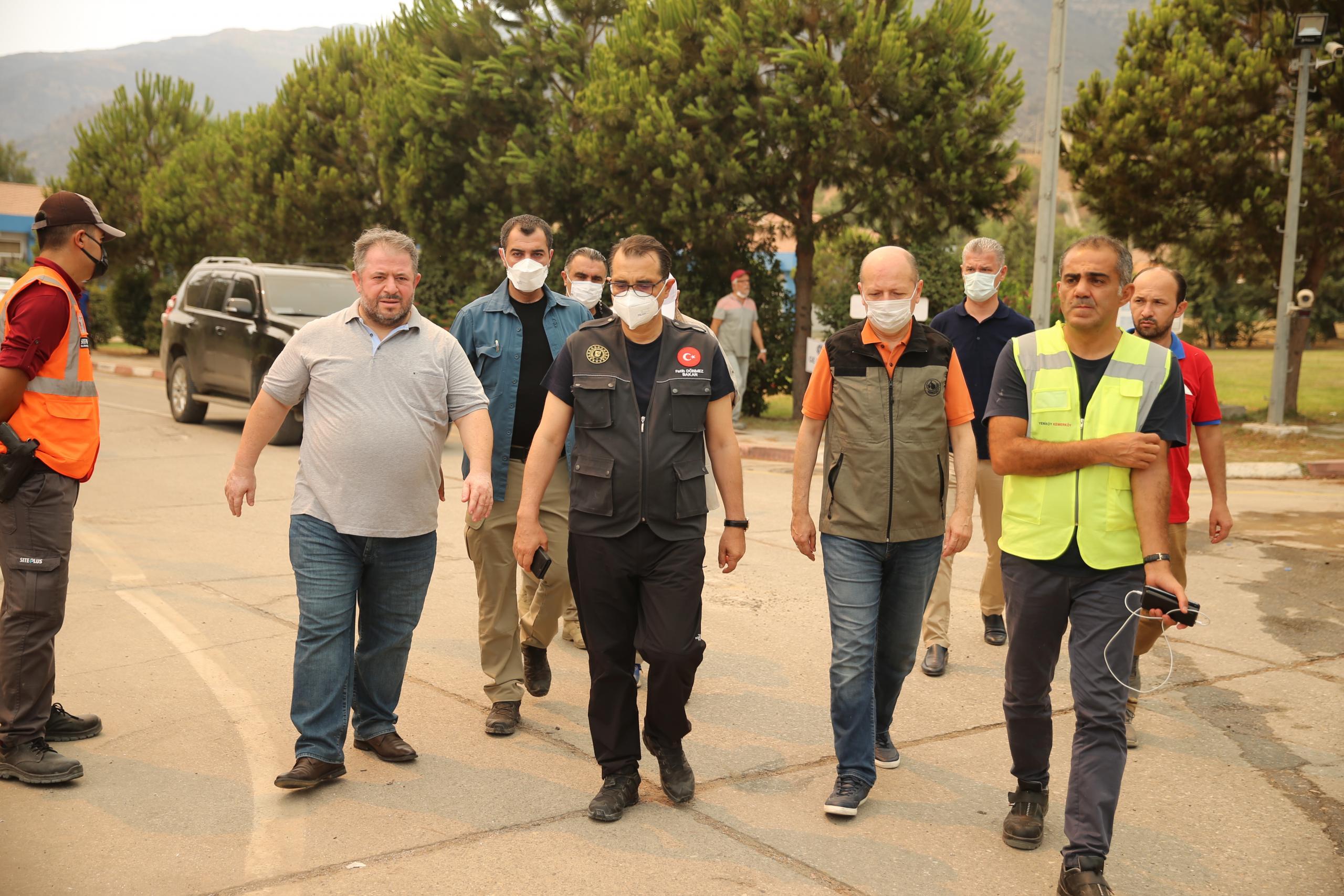 Bakan Dönmez, Kemerköy Termik Santrali'nde incelemelerde bulundu