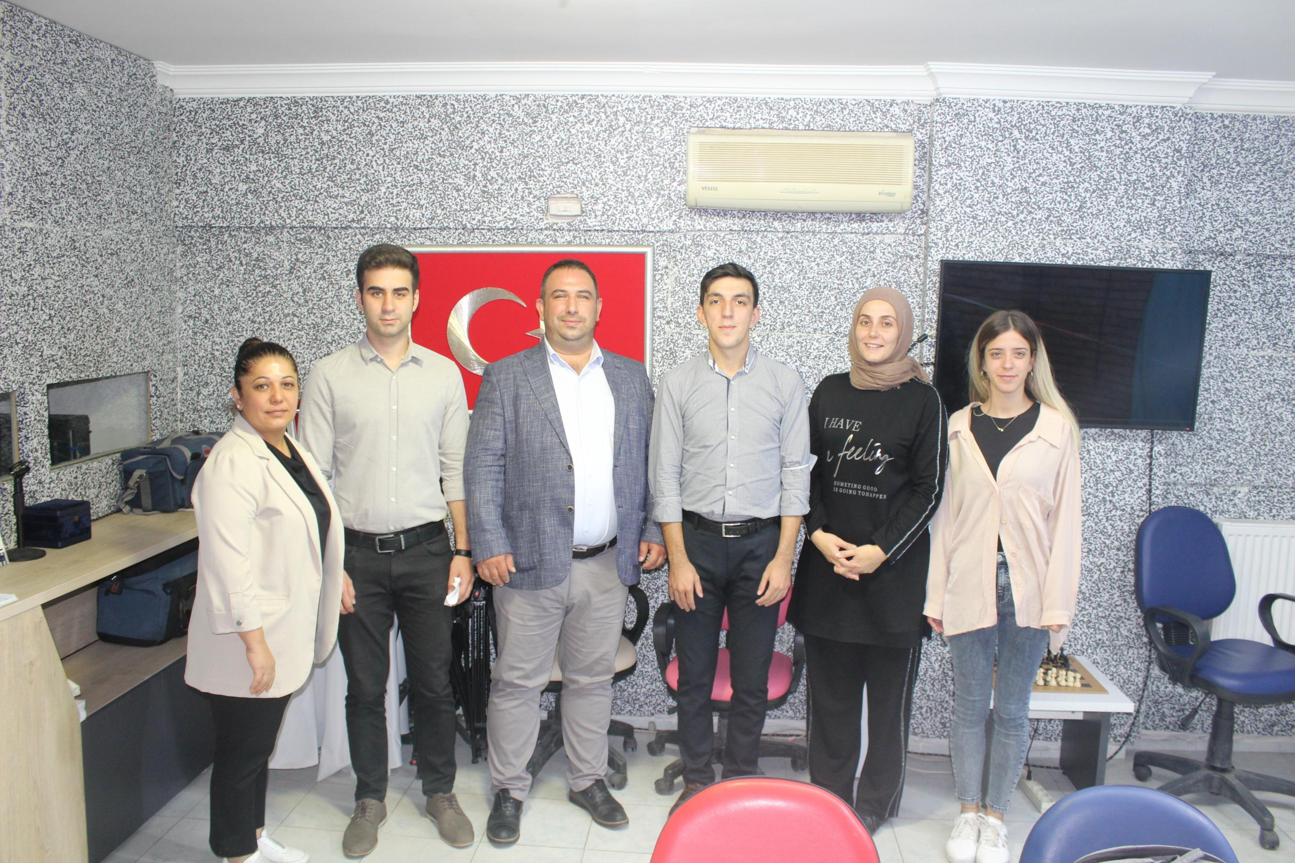 İl Başkanı Aykın'dan gazetelerimize ziyaret